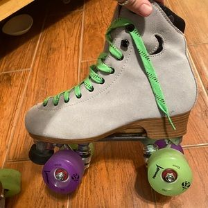 Roller skates baby! VERY Lightly loved.
